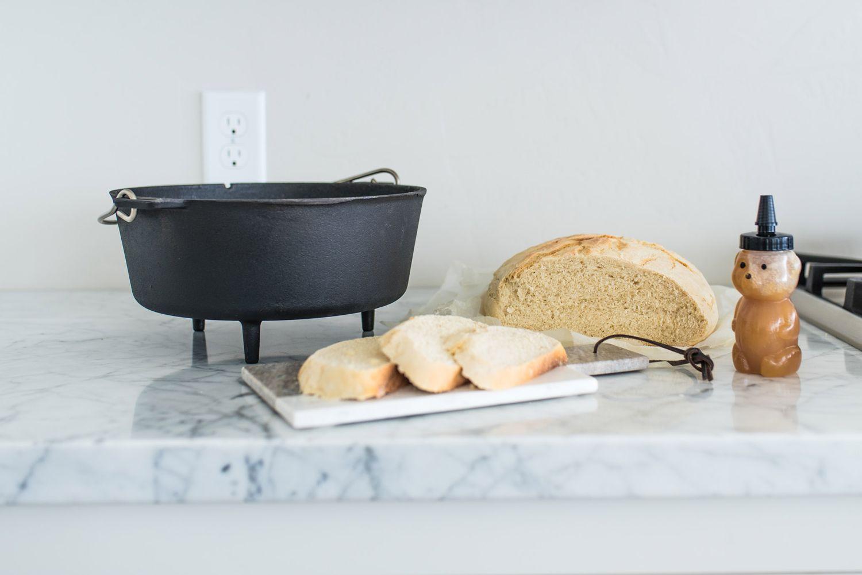 Dutch Oven Gusseisen-Kochtopf Camp Chef Deluxe DO 10 inkl. Deckelheber