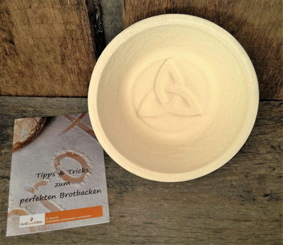 Gärkorb Gärkörbchen Holzschliff für 1,0 kg Brote rund mit Bodenmuster Celtic, inkl. Info