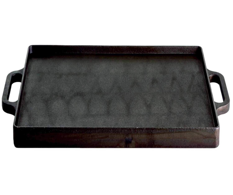 Gusseisen Grillplatte Plancha 38 x 38 cm mit einer geriffelte Seite, schwere Ausführung mit 2 Griffen